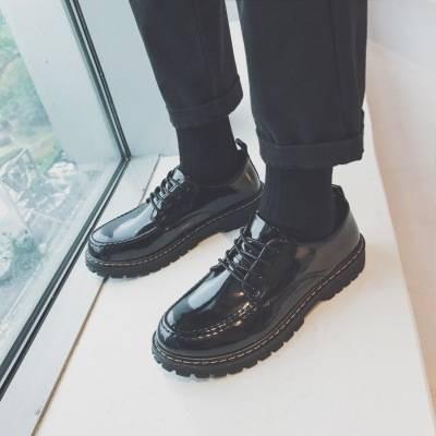 รองเท้าคัชชูผู้ชาย ⊿รองเท้าหนังผู้ชายเกาหลี Ulzzang สีดำเวอร์ชั่นเกาหลีของสีน้ำตาลหัวสีน้ำตาลสายรัดนักเรียนรองเท้าลำลองช