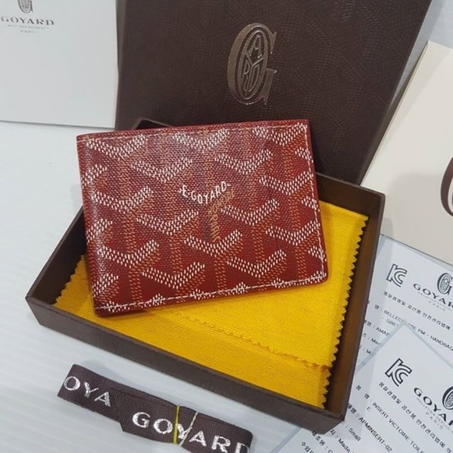 🎊New Kept Unused🎊 GOYARD Red Goyardine Multi Slot Bi-Fold Wallet 2018