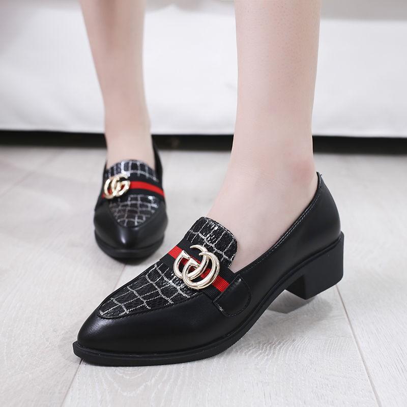 รองเท้าคัชชูผู้หญิง🍑รองเท้าคัทชูผู้หญิง🍑รองเท้าส้นแบน องเท้าลำลอง รองเท้าคัชชู หัวแหลม แบบหุ้มส้น พื้นเตี้ย หนังนิ่ม