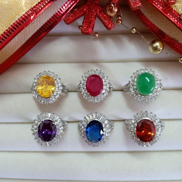 แหวน เพชร cz ล้อมพลอย คุณนายเล็ก ชุบทองคำขาว ราคาพิเศษ