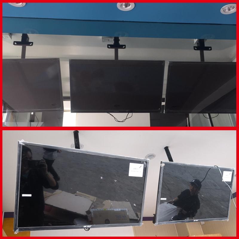 วางทีวีที่แขวนทีวีอเนกประสงค์32-70นิ้วเพดานระงับแอลซีดีทีวีกล้องส่องทางไกลหมุนแขวนยึดเพดาน
