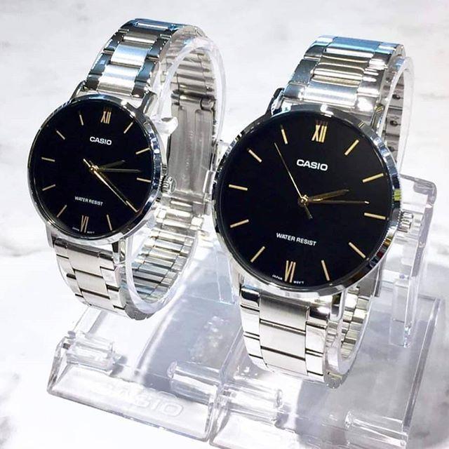 นาฬิกาคู่รัก Casio รุ่น MTP-VT01D-1B , LTP-VT01D-1B สายสแตนเลส หน้าปัดดำ สไตล์เรียบหรู - มั่นใจ สินค้าข่องแท้ ประกันศูนย