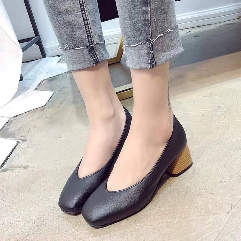 ☒✢❇***สำหรับผู้หญิง*** รองเท้าคัชชู แบบโลฟเฟอร์ สวมใส่สบาย ใส่ได้หลายโอกาส ( สีครีม/สีดำ )