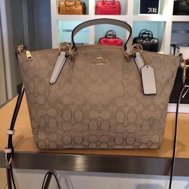 กระเป๋า Coach แท้ 💯 % พัดผ้าขนาด 13 นิ้ว