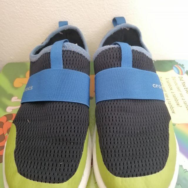 ส่งฟรี ** มือสอง** รองเท้าเด็ก Crocs แท้ 100%