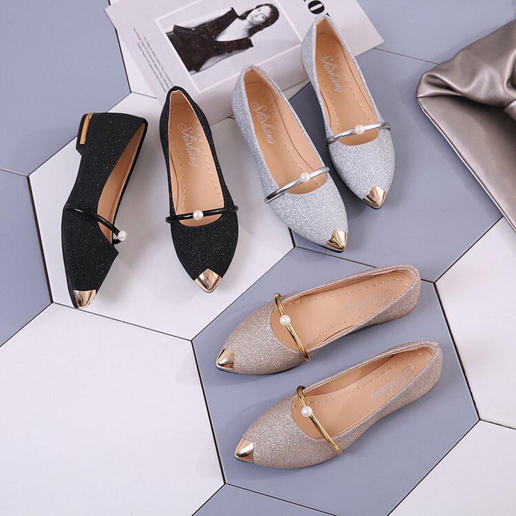 รองเท้าคัชชู รองเท้าคัชชูหัวแหลม หุ้มส้น สายคาดประดับมุก มี 3 สี ประกายเพชร NO.803รองเท้าส้นสูงผู้หญิง