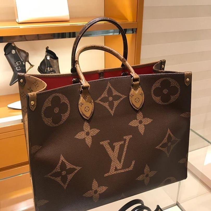 ラЁกระเป๋ากระเป๋าเดินทาง  Lv19ใหม่ Louis Vuitton onthego ดอกไม้เก่าจับคู่สีโลโก้ขนาดใหญ่กระเป๋าช้อปปิ้งกระเป๋าสะพาย m4457